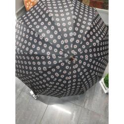 Paraguas largo negro flores...